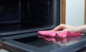 روش سریع و ساده برای تمیز کردن سینی و طبقه های فر
