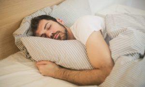 تاثیر مشکلات خواب بر سلامت روانتاثیر مشکلات خواب بر سلامت روان چگونه است؟ بهبود وضعیت خواب و سلامت روان